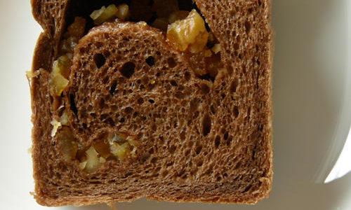 オレンジとクルミのココア食パン