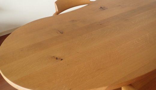 無垢のダイニングテーブルと無垢のダイニングチェアー