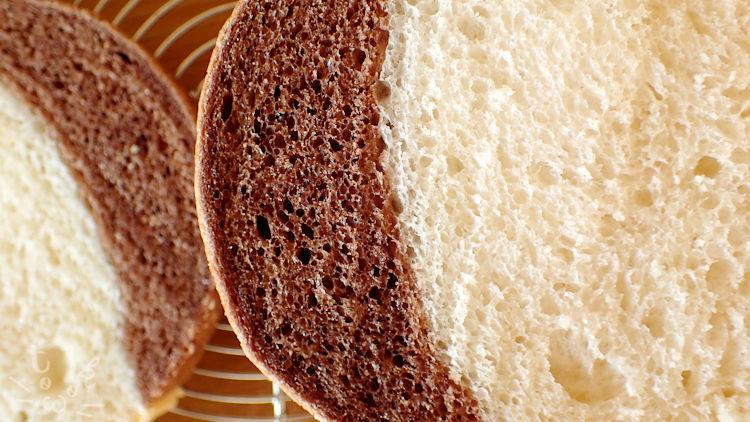 ぶちねこ食パンの輪郭部分のアップ
