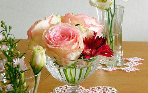 タティングレースに薔薇を添えて