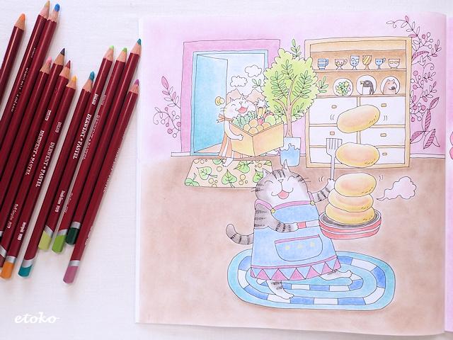 ダーウェントのパステルペンシルときまぐれ猫ちゃんズたちがホットケーキを焼く塗り絵