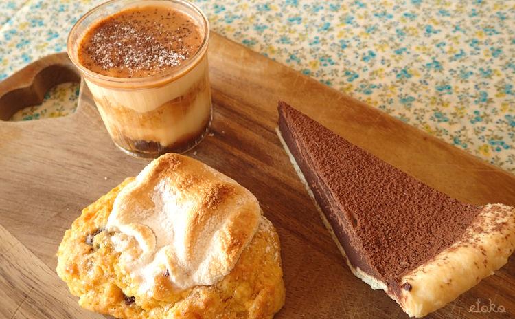 モイッカ(つくば市)のチョコレートケーキとプディングとスモアスコーン